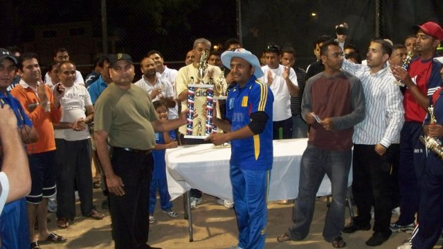 vjiay night cricket final 028